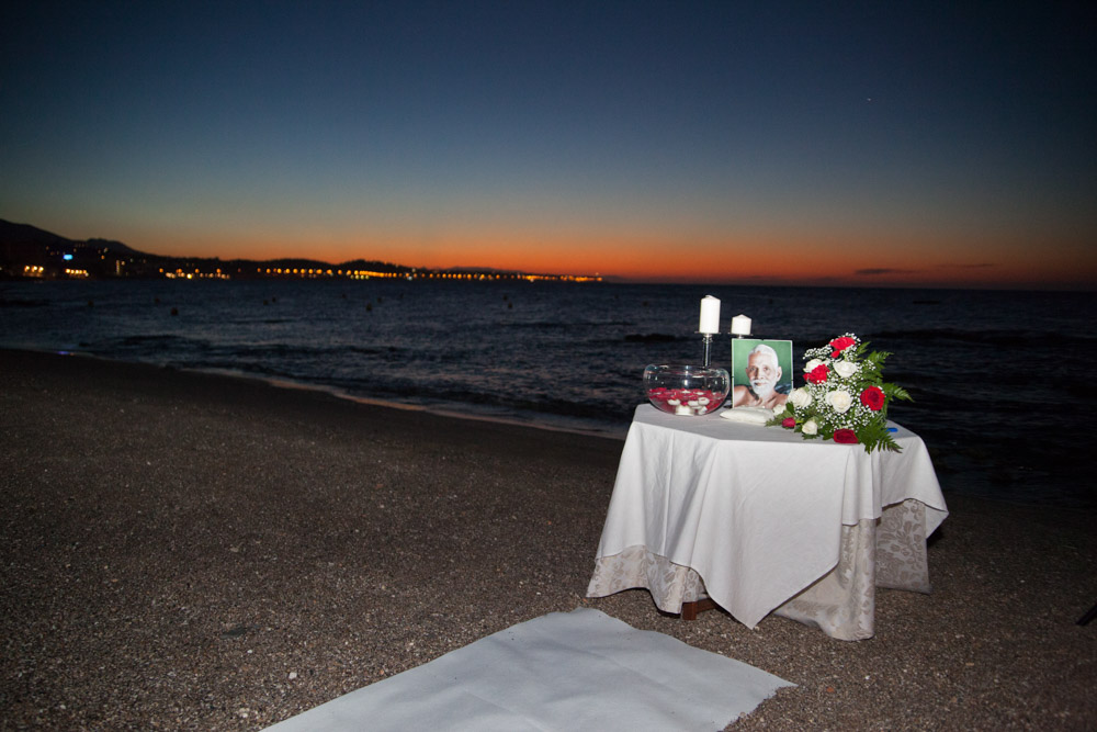 Wedding ceremony at dawn in Marbella beaches (18) Wedding minister wedding planner Malaga wedding coordinator